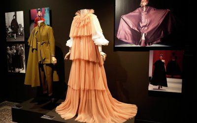 """Exposición """"Las costuras femeninas de la moda de España 1930-2018"""""""