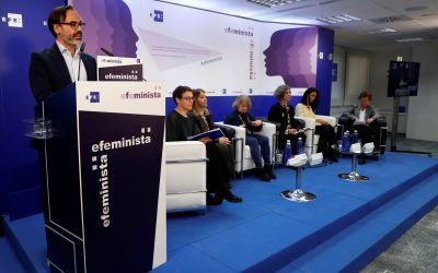 "Foro Efeminista ""Violencia de género"""