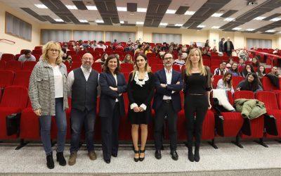 La universidad examina los 80 años de EFE y su futuro