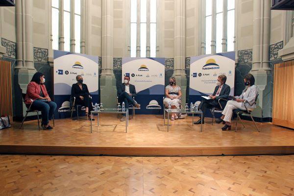 EFE y À Punt organizan una jornada profesional para analizar los retos del turismo en época de pandemia