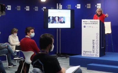 La presidenta de Efe charla con los estudiantes del Máster en Periodismo