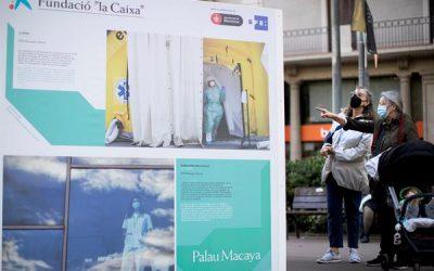 """Miles de personas visitan la muestra fotográfica de EFE """"Mujeres Invisibles"""""""