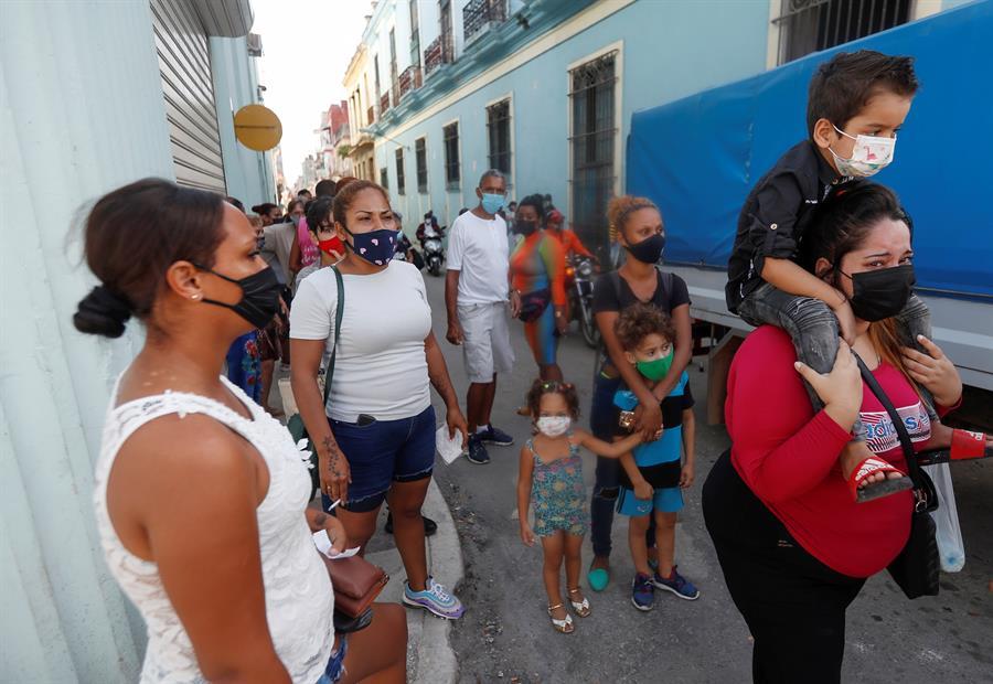 La imagen tiene un atributo ALT vacío; su nombre de archivo es Cuba-2.jpg