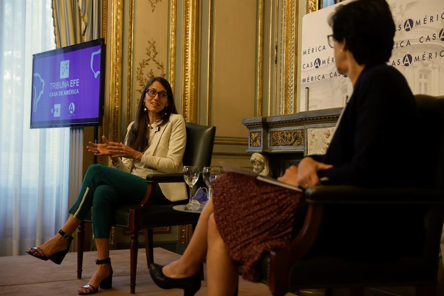 ministra argentina de las Mujeres