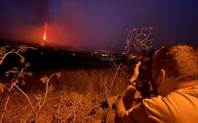Crónicas desde el volcán sin nombre: el relato multimedia de EFE de la erupción de La Palma